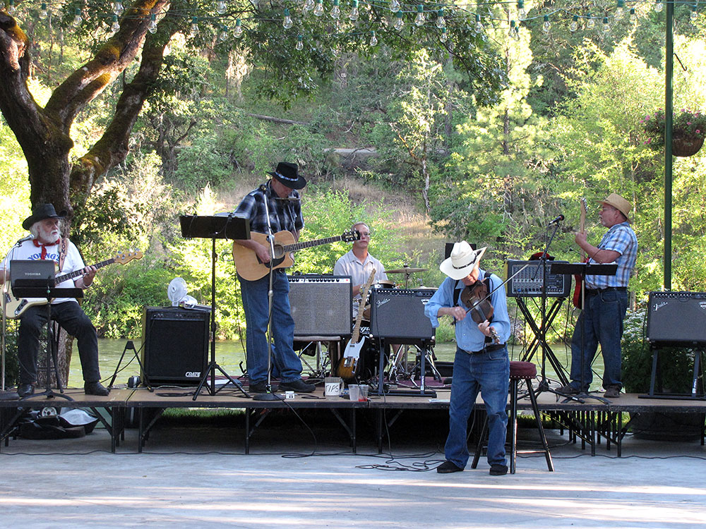 Rogue River country music