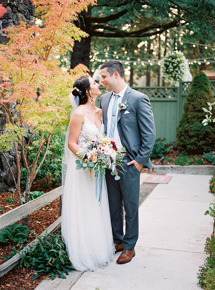 Wedding Bride & Groom - Rogue River wedding